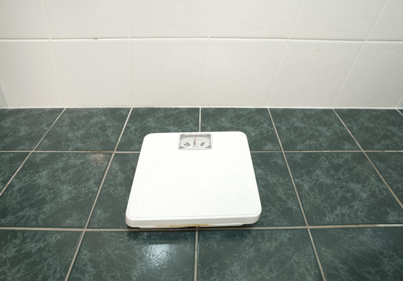 3792-bathroom scales