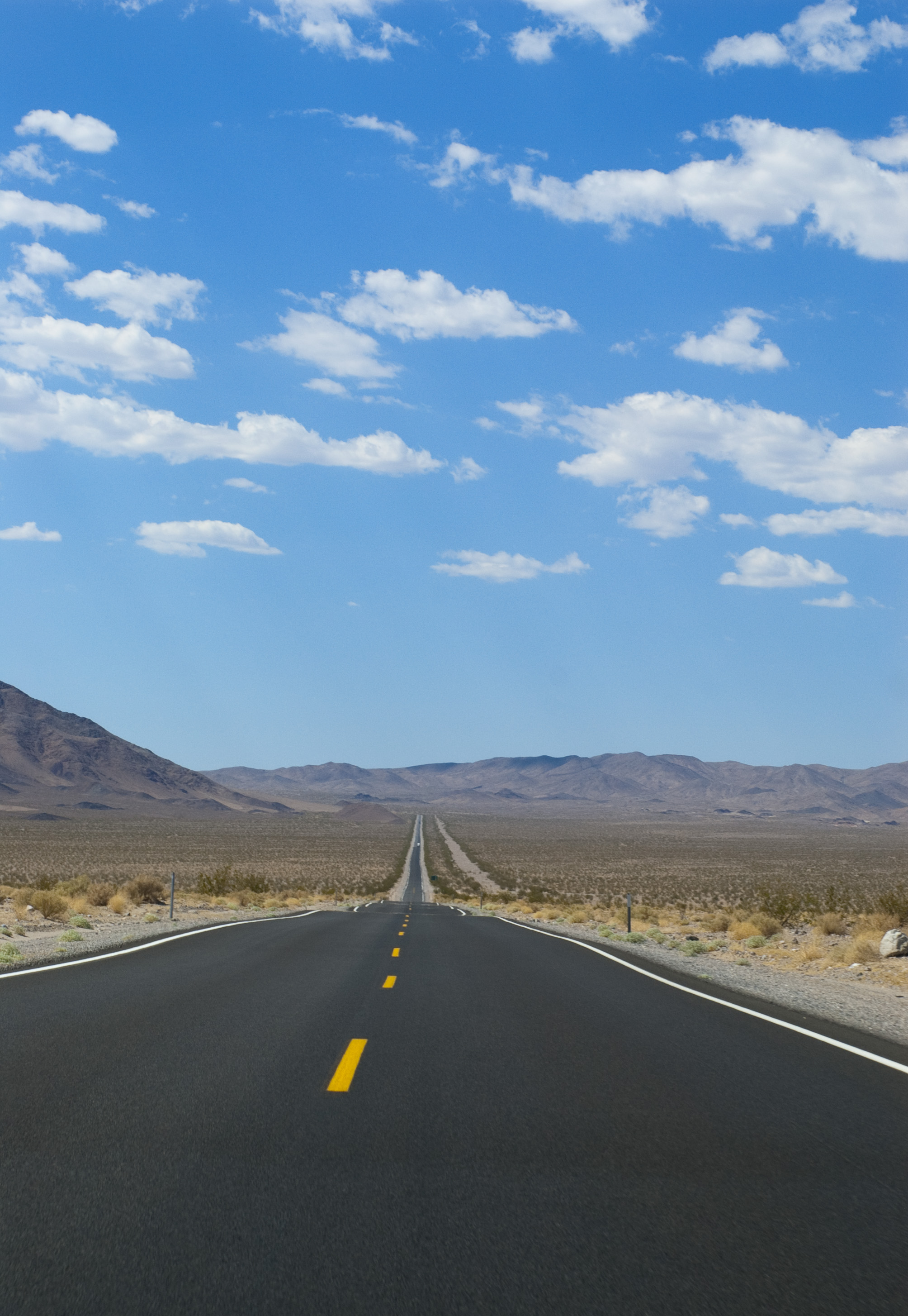 Free Stock Photo 3104-long_straight_road.jpg   freeimageslive