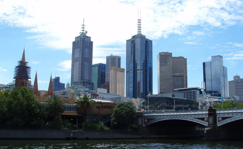 a view across the yarra river towards melbourne CBD