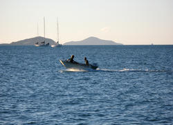 3325-small fishing boat