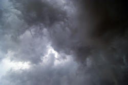 4335   threatening clouds