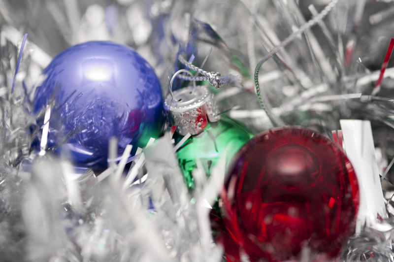 4704   glass baubles