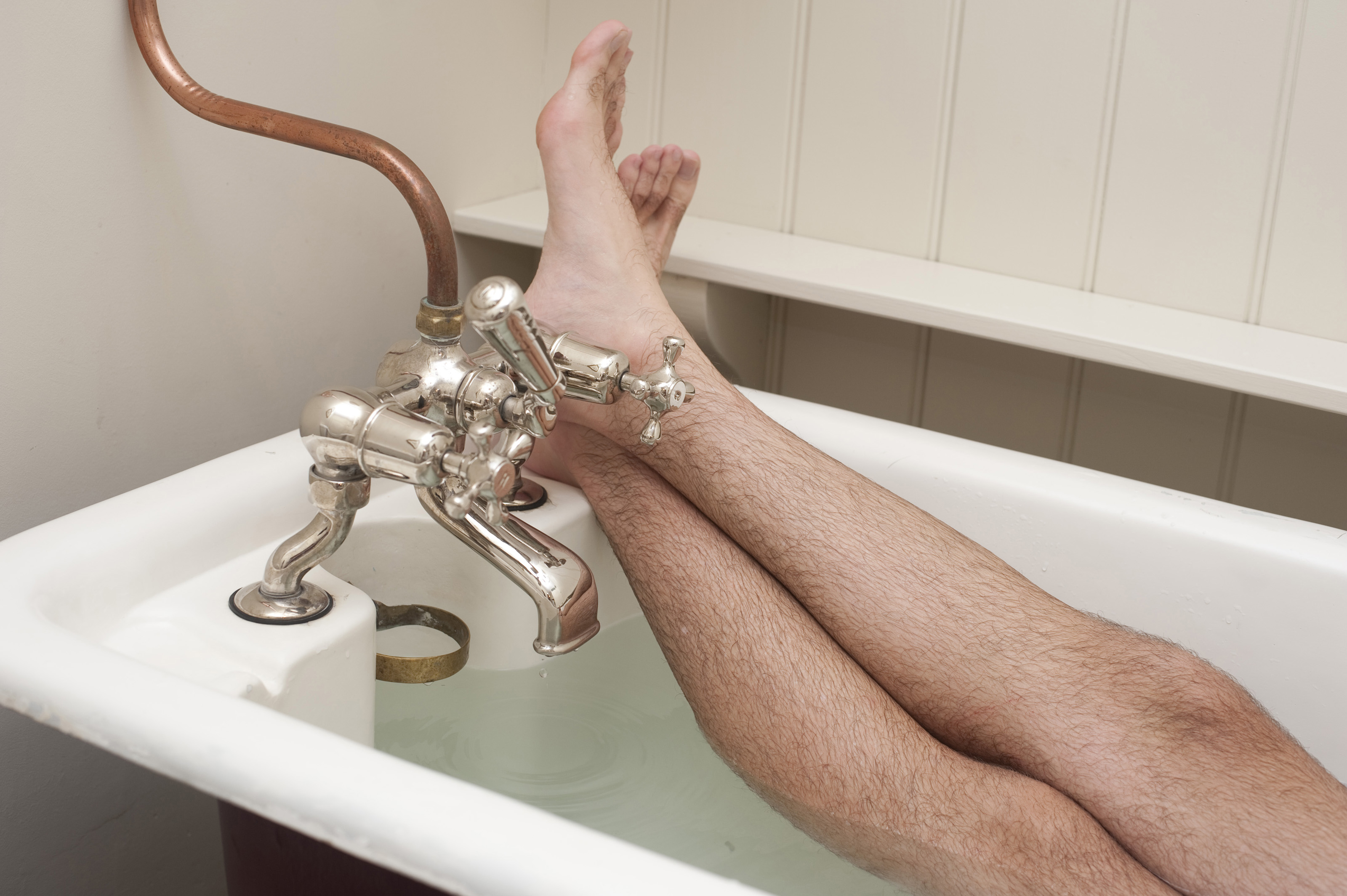 Free Stock Photo 6887 Man enjoying a hot relaxing bath | freeimageslive