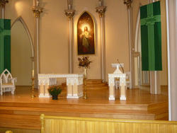 6685   Altar at St Georges Church