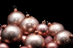 6812   Festive golden baubles