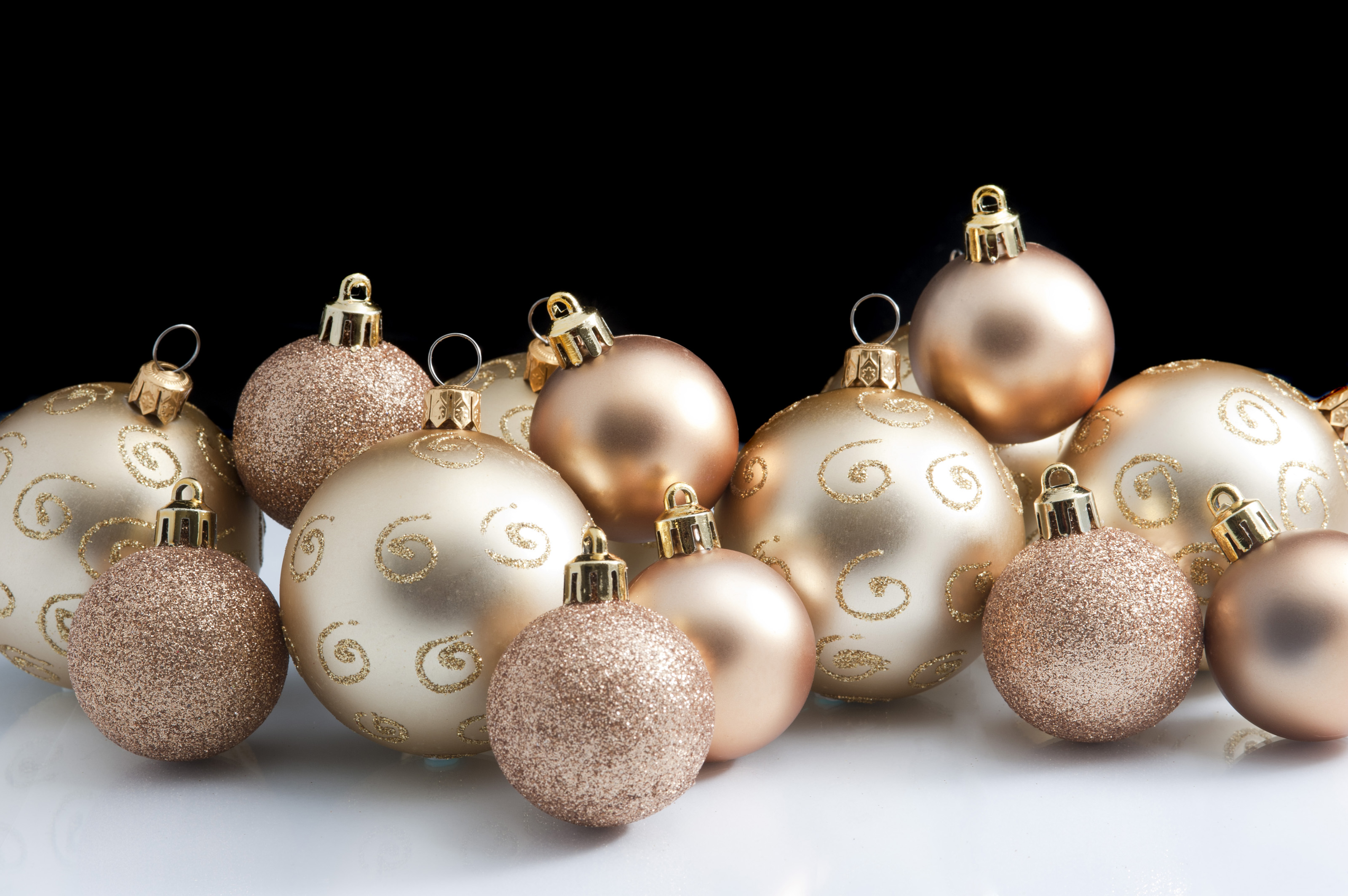 christmas ornaments small balls