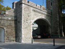 6738   Historic rampart walls of Quebec City