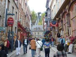 6740   Quebec street scene below the funicular