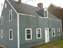 6782   Traditional shingle house construction