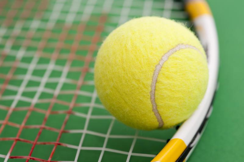 5726   tennis racket