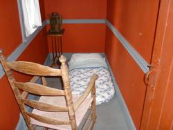 6784   Very tiny bedroom