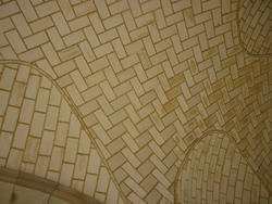6691   Vaulted interior ceiling