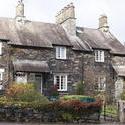 8761   Picturesque stone cottage at Skeklwith Bridge