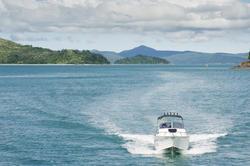 11121   Modern Motor Boat Cruising