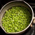10515   Petit pois peas cokking in a pot