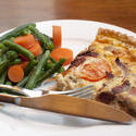 8426   Savoury quiche with fresh vegetables
