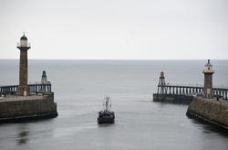 8000   Fishing boat and piers