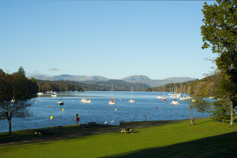 8767   Pleasure boats on Lake Windermere