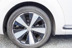 16336   Alloy wheel on a modern car