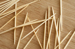 17147   Loose wooden toothpicks or cocktail sticks