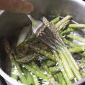 12991   Boiling Asparagus Spears in a Pot