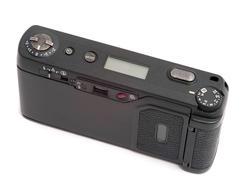 12124   High diagonal angle of compact camera