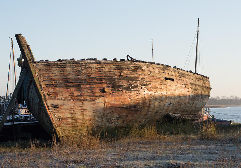 15571   shipwreck by the River Wyre