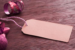 13160   Blank gift tag with Christmas packaging