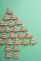 13164   Gingerbread Christmas tree still life