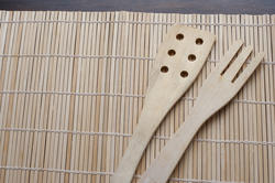 17166   Plain wooden serving fork and spatula