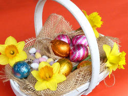 17343   Basket filled with Easter eggs and decorations