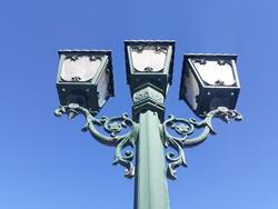 17129   traditional street light